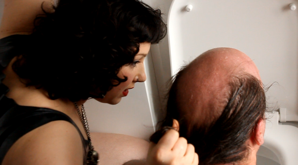 nina hiss makes sub clean toilet with tongue