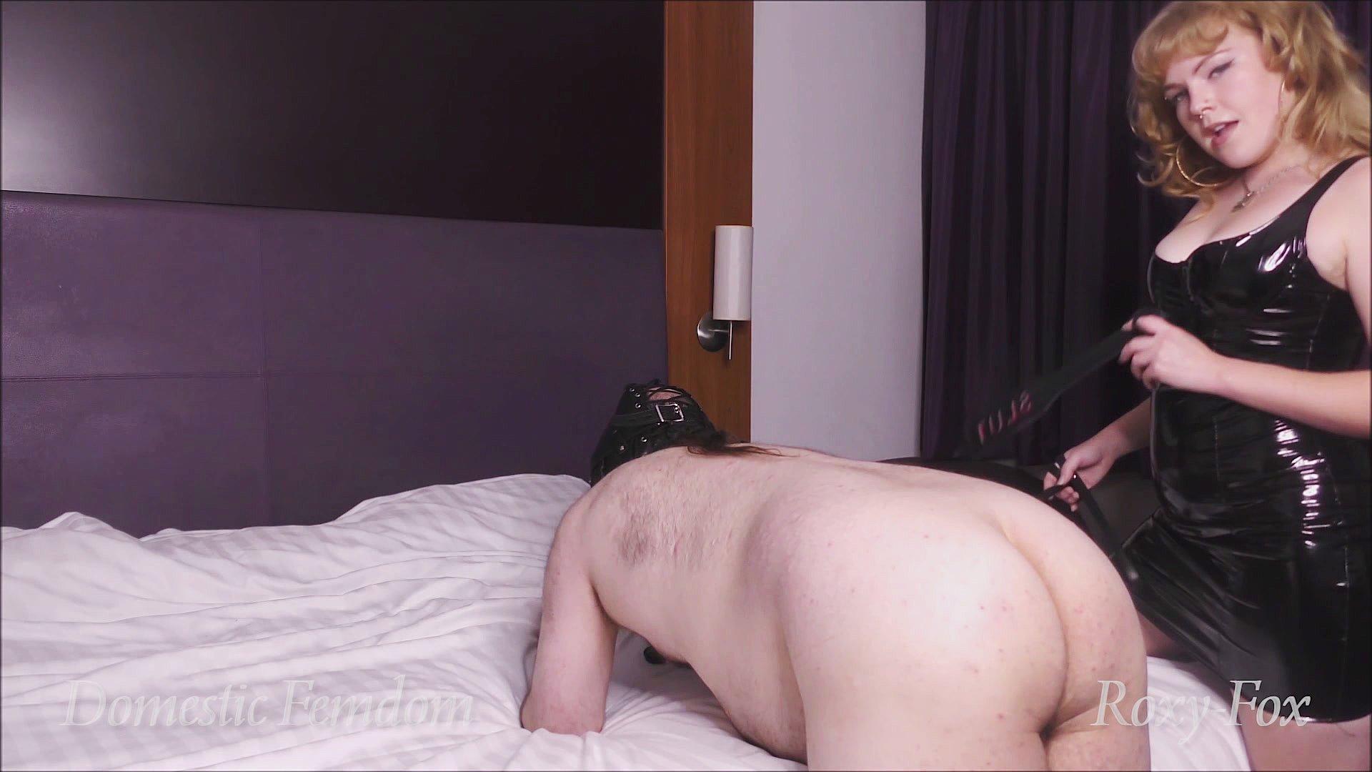 roxy-fox spanking